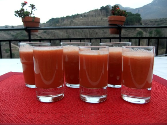 Zumo de granada, zanahoria y manzana