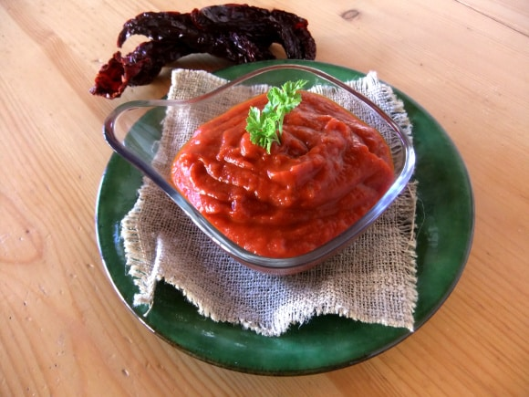 Receta de salsa de pimientos secos con manzana