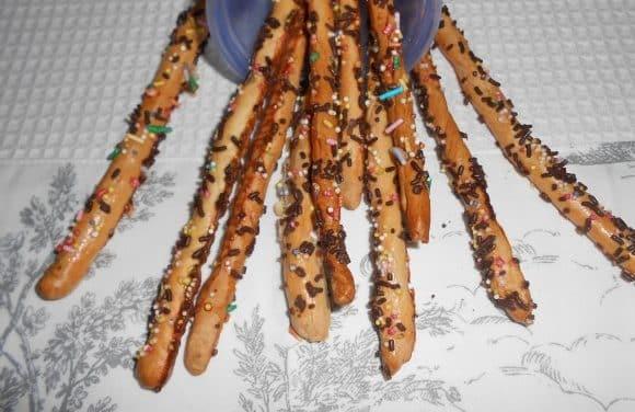 Receta de grisines de espelta dulces con virutas de chocolates