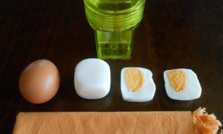Huevos cocidos cuadrados