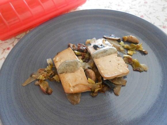 Receta de tofu marinado con verduritas al horno