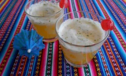 Receta de cóctel sin: piña, limón, menta y ginger ale