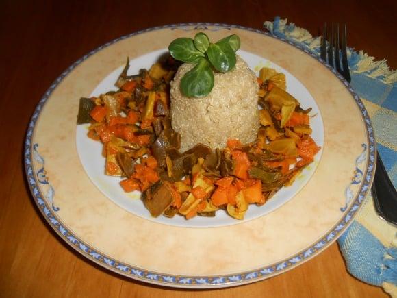 Receta de molde de quinoa a la cúrcuma con setas y calabaza