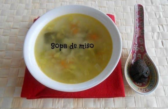 Receta de sopa de miso con verduritas