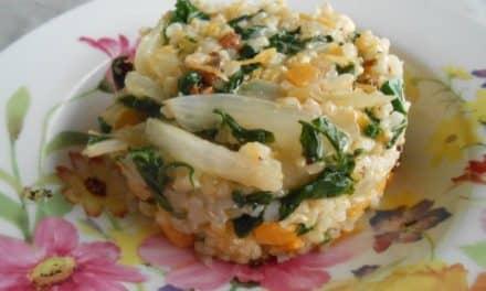 Receta de arroz integral con verduras multicolor y pasas