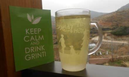 Tomándome un té verde Grinti