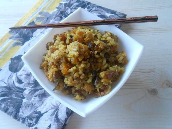 Receta de arroz con frutos secos a la cúrcuma y canela