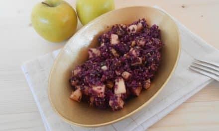 Receta de ensalada de col lombarda con manzana y aliño dulce