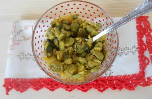 Receta de salteado de habas con semillas a la cúrcuma