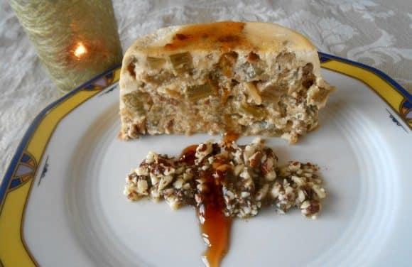 Receta de pudding de cardo y boletus con aderezo de almendras y salsa de Pedro Ximénez con pasas