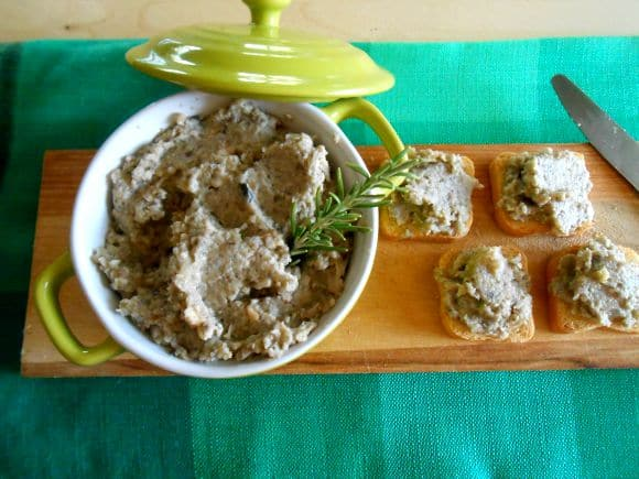 Receta de paté de champiñones con almendras