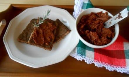 Receta de «sobrasada» vegetal sobre pan de 3 cereales