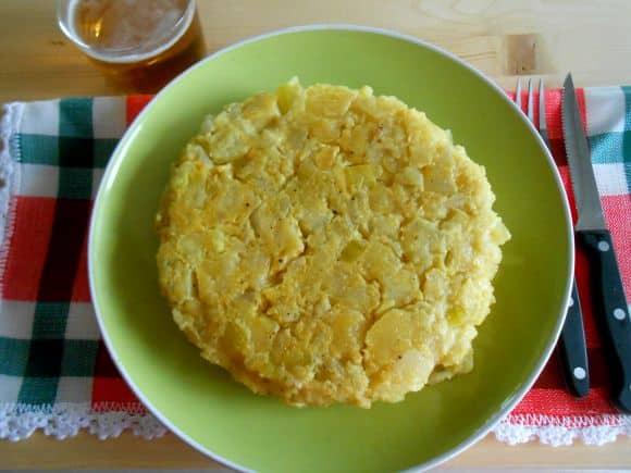 Receta de tortilla de patata y calabacín sin huevos