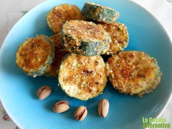 Calabacines crujientes con pistachos