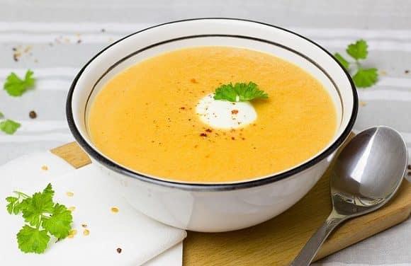 Receta de crema de zanahorias, patata y puerro