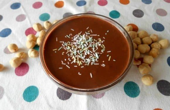 Mousse choco-avellanas (sin azúcar, ni lácteos, ni huevos)
