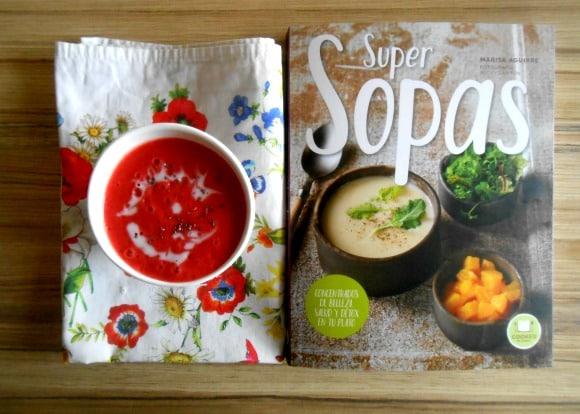 """Receta de sopa de fresas y coco (del libro """"Super Sopas"""")"""