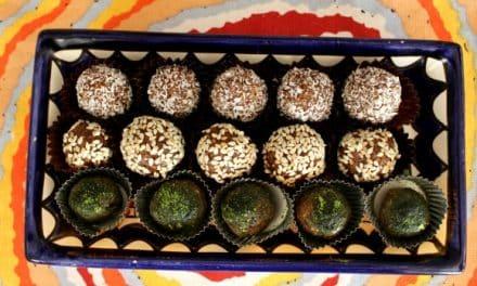 Receta de trufitas veganas de cacao y avellanas (y sin azúcar)