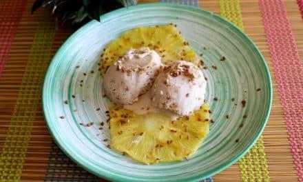 Receta de piña a la plancha con helado casero de coco y vainilla