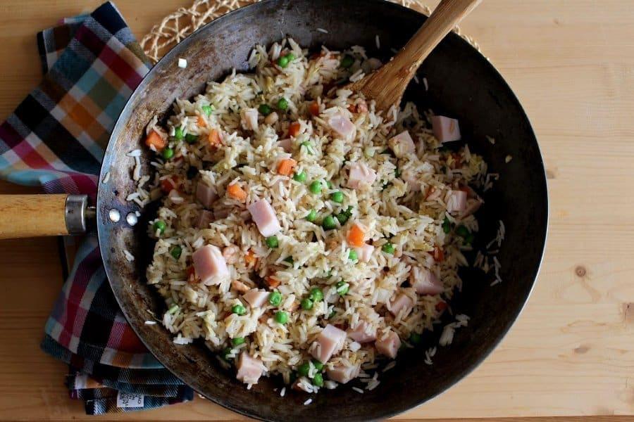 Wok de arroz 3 delicias con pechuga de pavo